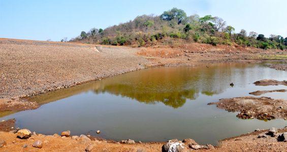 मुरुड : विहूर धरणातून दुर्गंधीयुक्त दूषित पाण्याचा पुरवठा