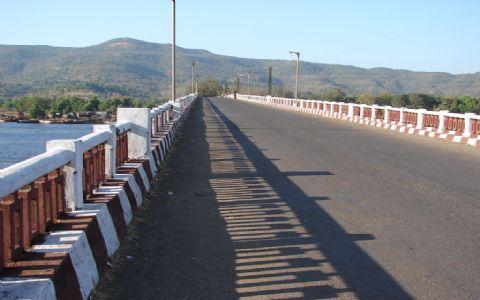 म्हाप्रळ-आंबेत पुलावरुन अवजड वाहतुकीस 31 जानेवारीपर्यंत बंदी